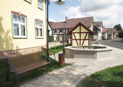 Dorfplatz-Alte-Tanzlinde_1