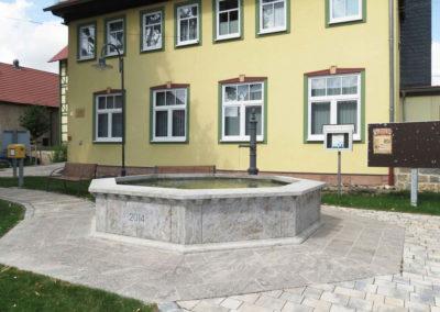 Dorfplatz-Alte-Tanzlinde_2
